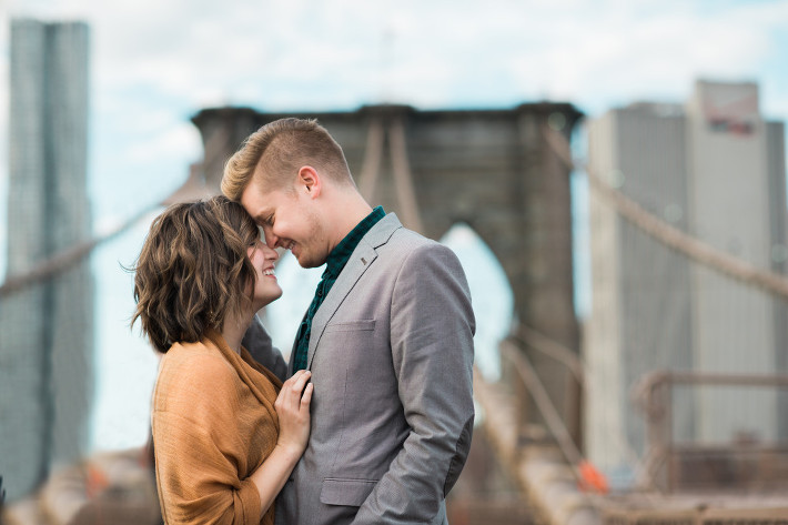 newlywed couple on Brooklyn Bridge