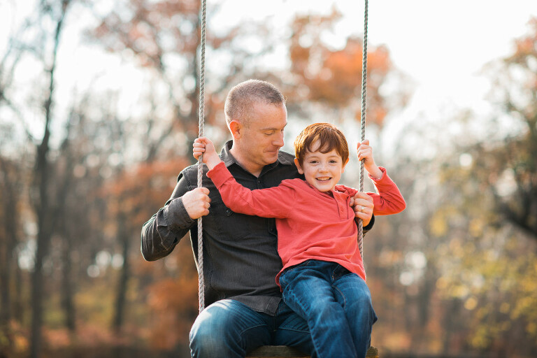 Rockville-Centre-Family-Photographer-dad-son-swing