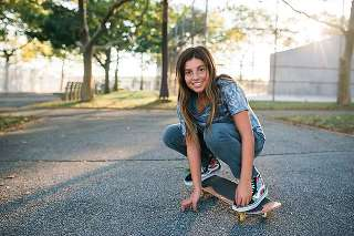 long-island-new-york-pre-bat-mitzvah-photo-shoot skateboard girl