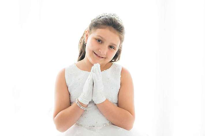 New York Modern Studio Portraits Communion girl