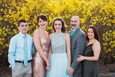 Sweet 16 Smithtown Country Club family portrait