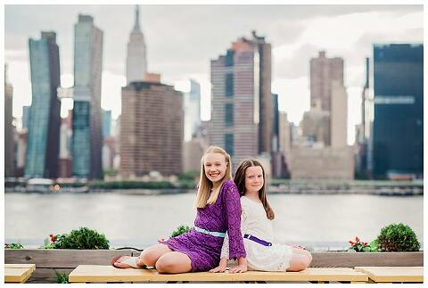 Family Photos Gantry Park sisters manhattan skyline